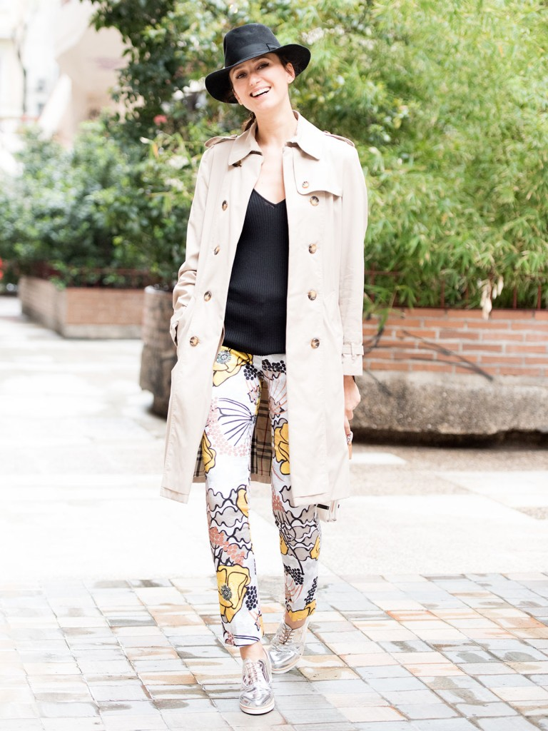 mayte-de-la-iglesia-street-style-pantalon-flores-11