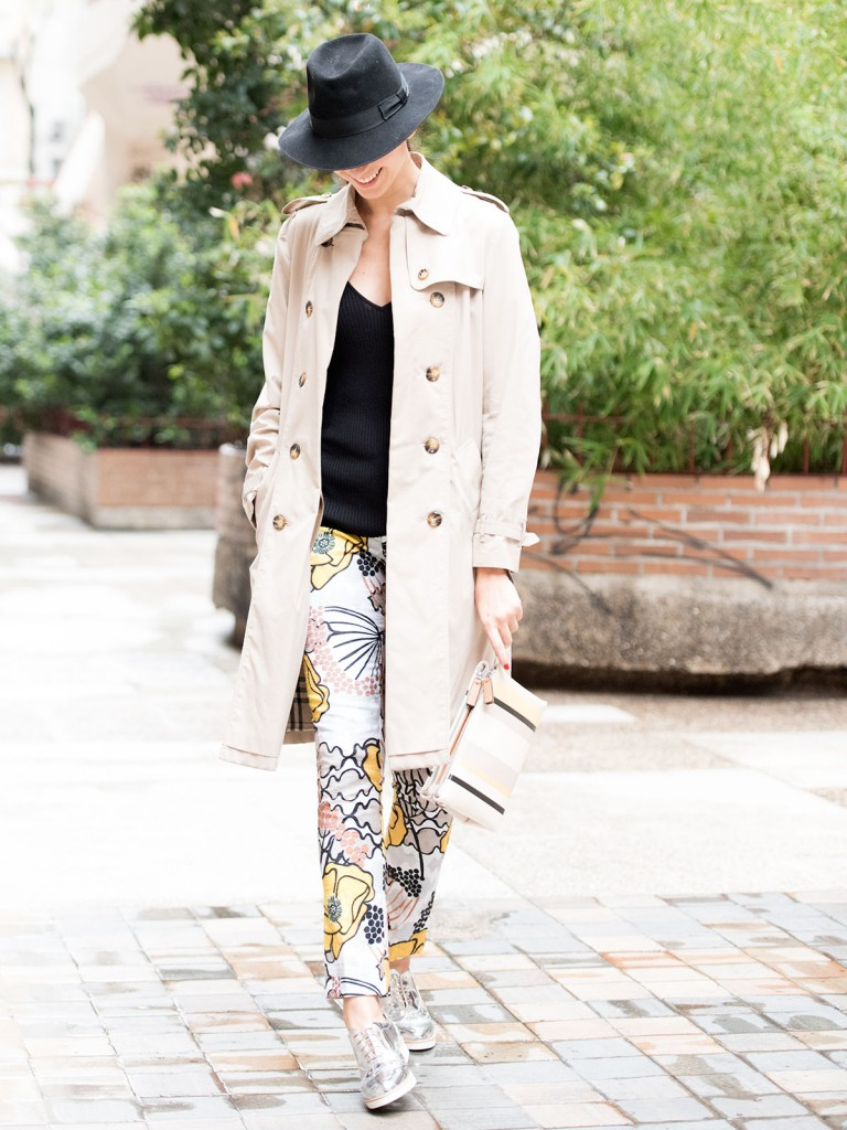 mayte-de-la-iglesia-street-style-pantalon-flores-14
