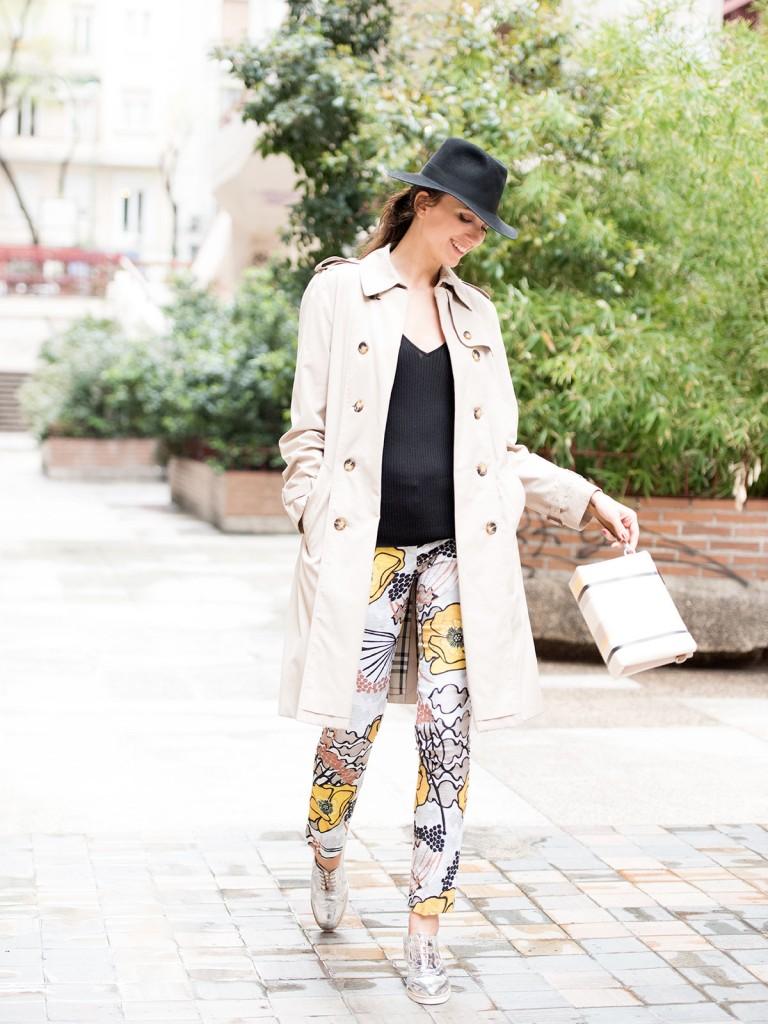 mayte-de-la-iglesia-street-style-pantalon-flores-20