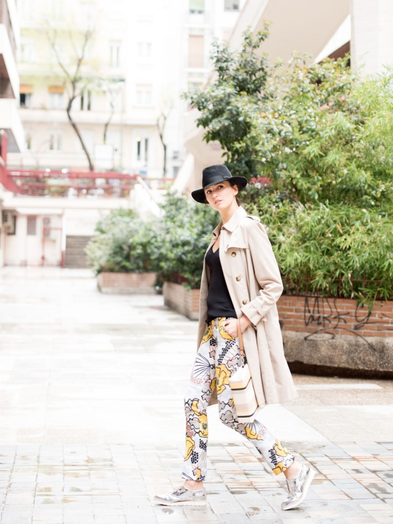 mayte-de-la-iglesia-street-style-pantalon-flores-29