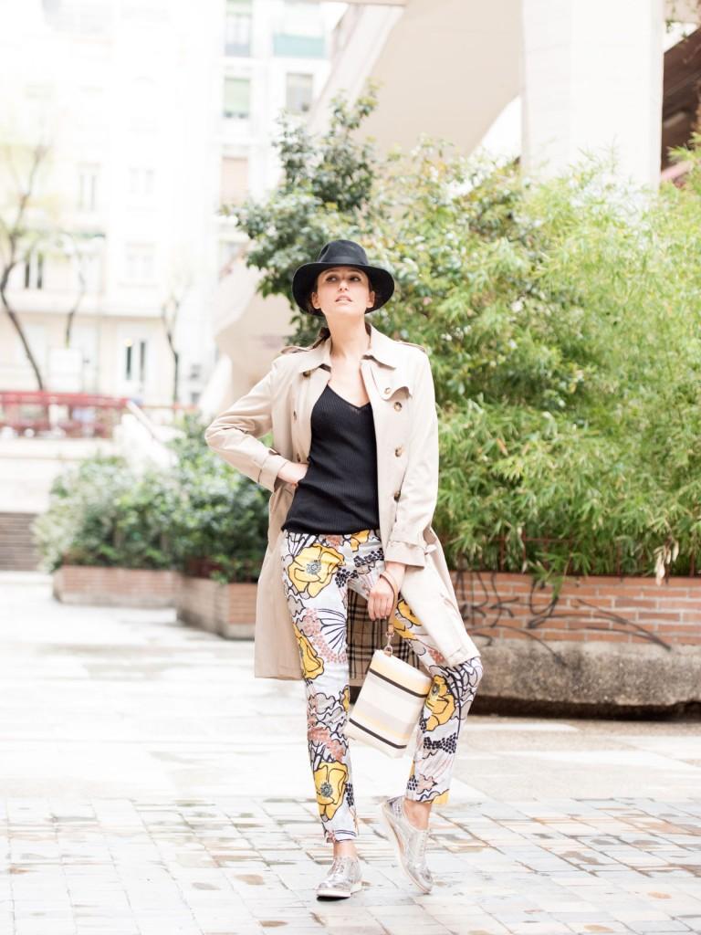 mayte-de-la-iglesia-street-style-pantalon-flores-50