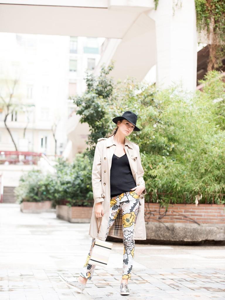 mayte-de-la-iglesia-street-style-pantalon-flores-58