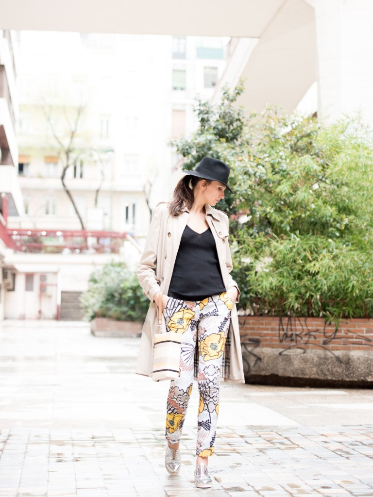 mayte-de-la-iglesia-street-style-pantalon-flores-65