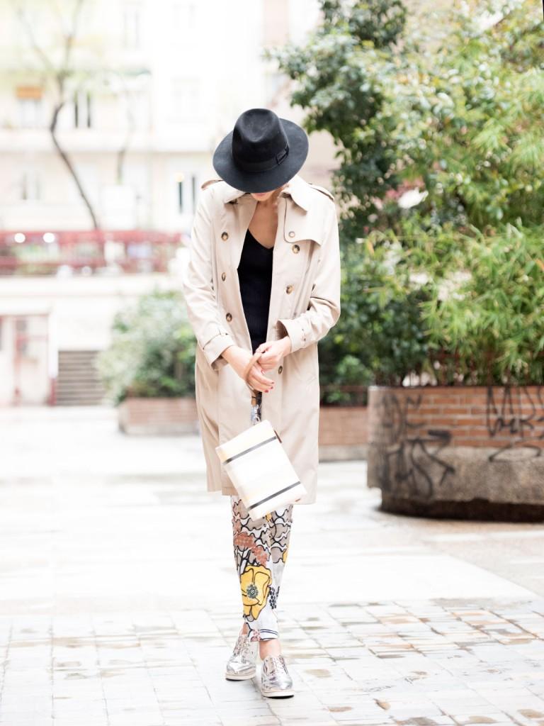 mayte-de-la-iglesia-street-style-pantalon-flores-86