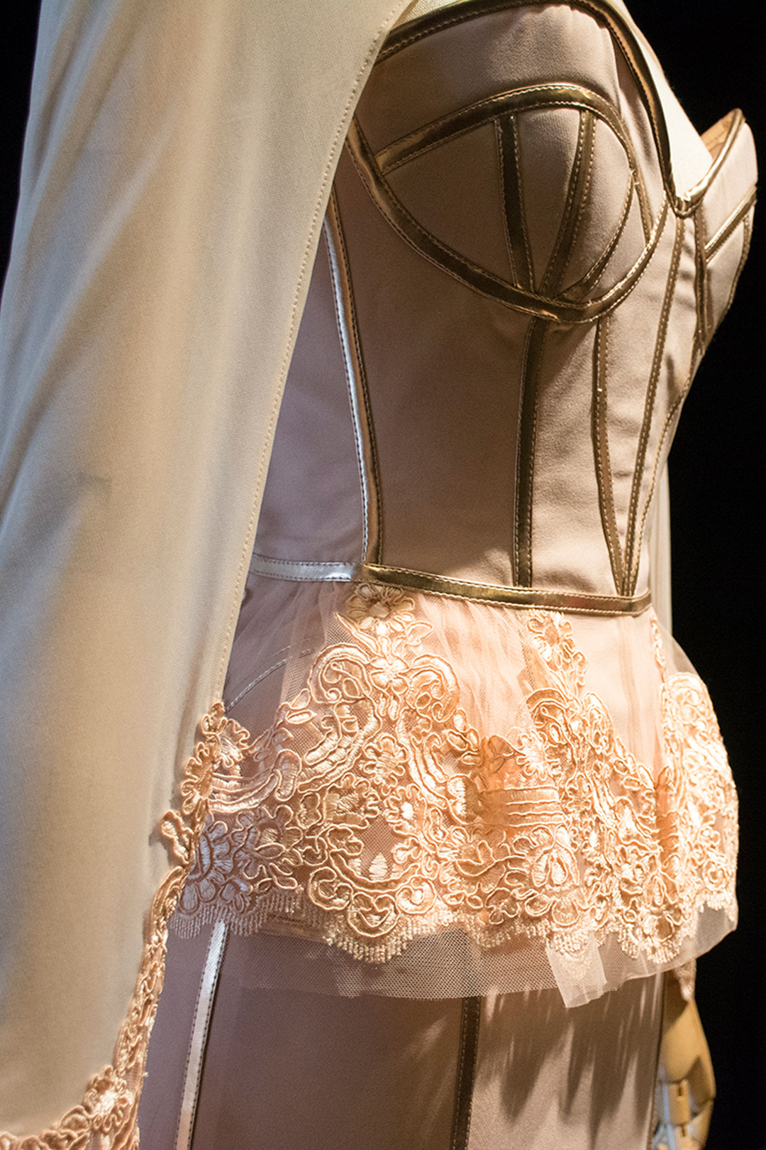 trajes-para-shakespeare-y-cervantes-acme-07