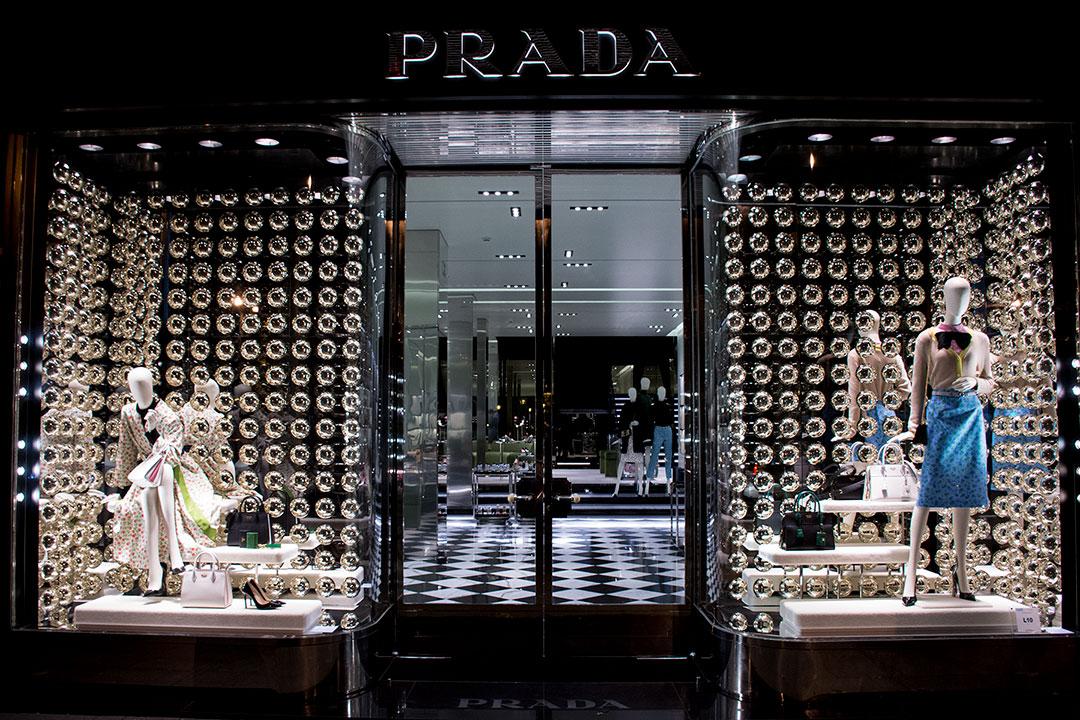 prada-woman-escaparates-mitmeblog-01