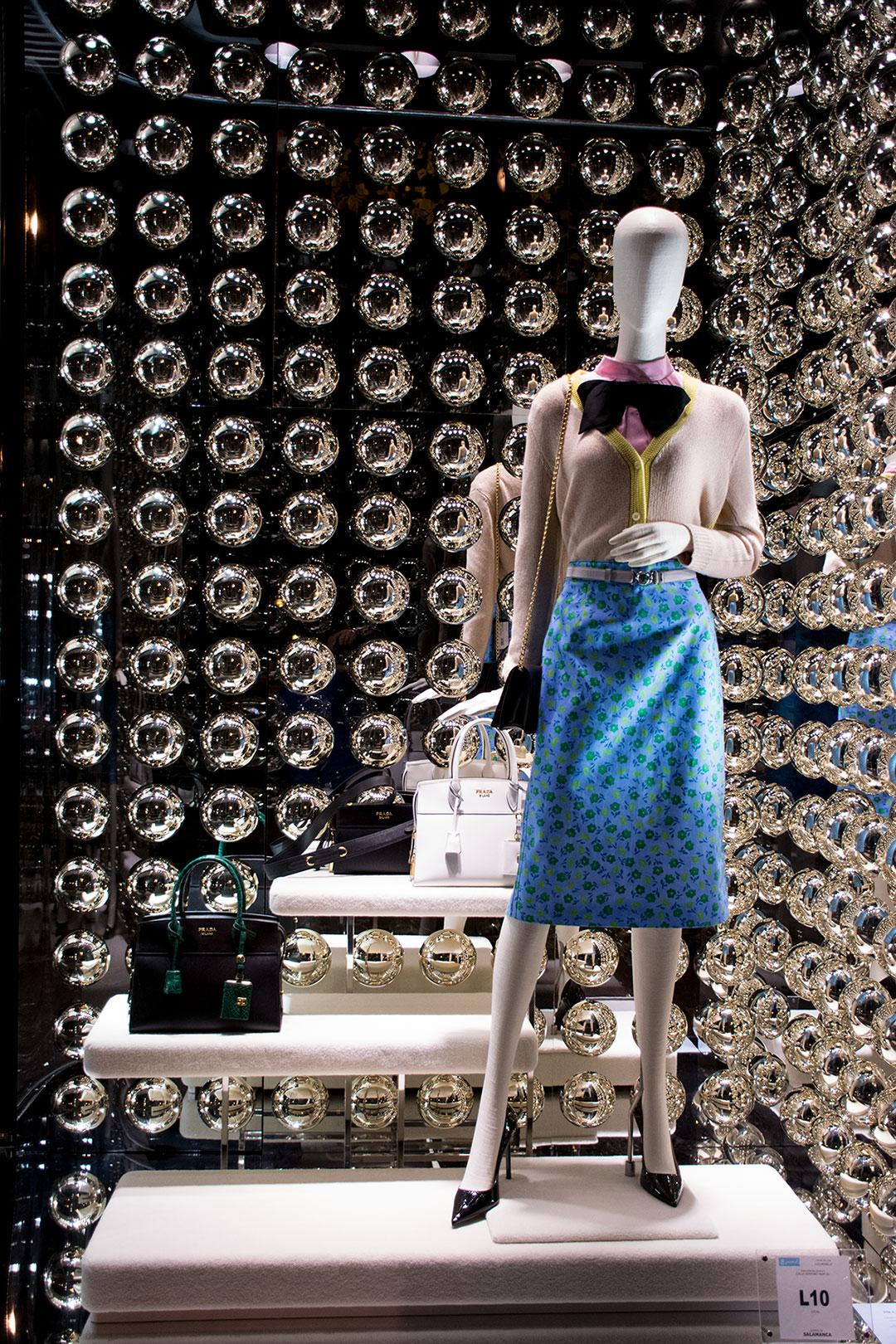 prada-woman-escaparates-mitmeblog-03