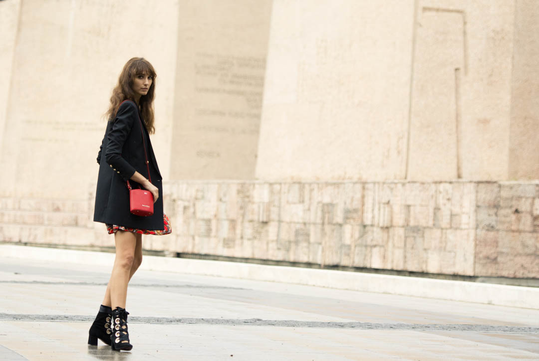 sandro-red-dress-mitmeblog-street-style-mayte-de-la-iglesia-web-03