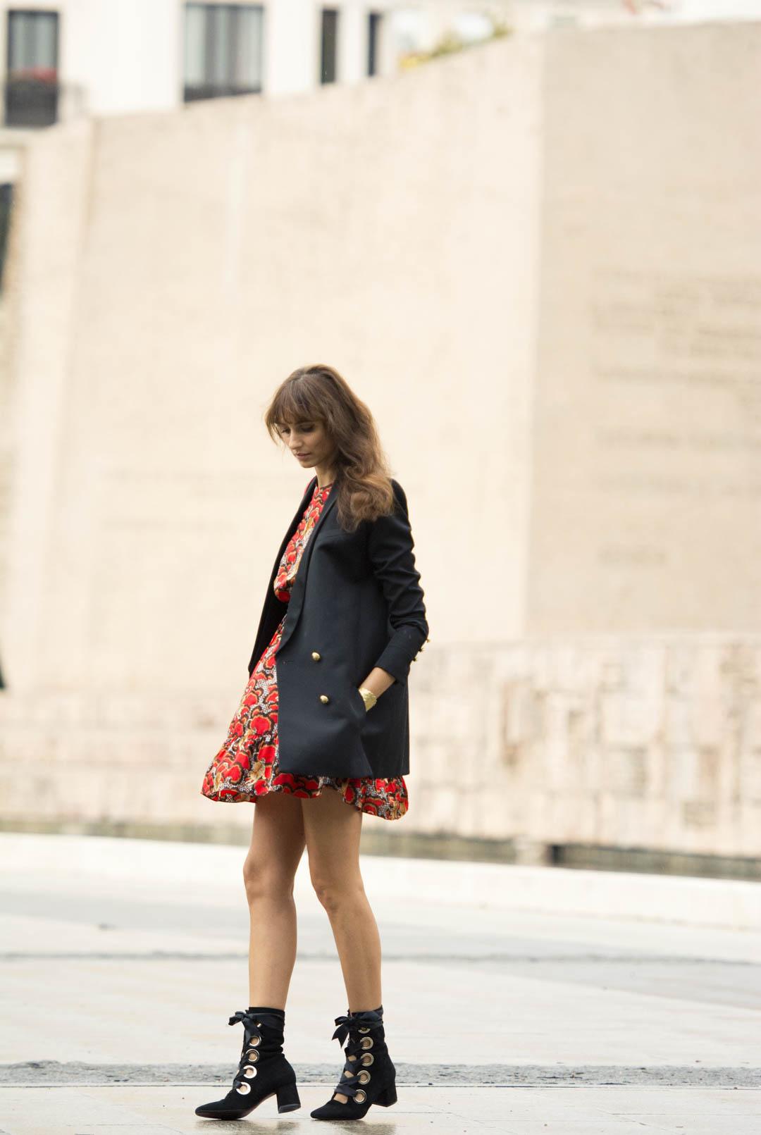 sandro-red-dress-mitmeblog-street-style-mayte-de-la-iglesia-web-04