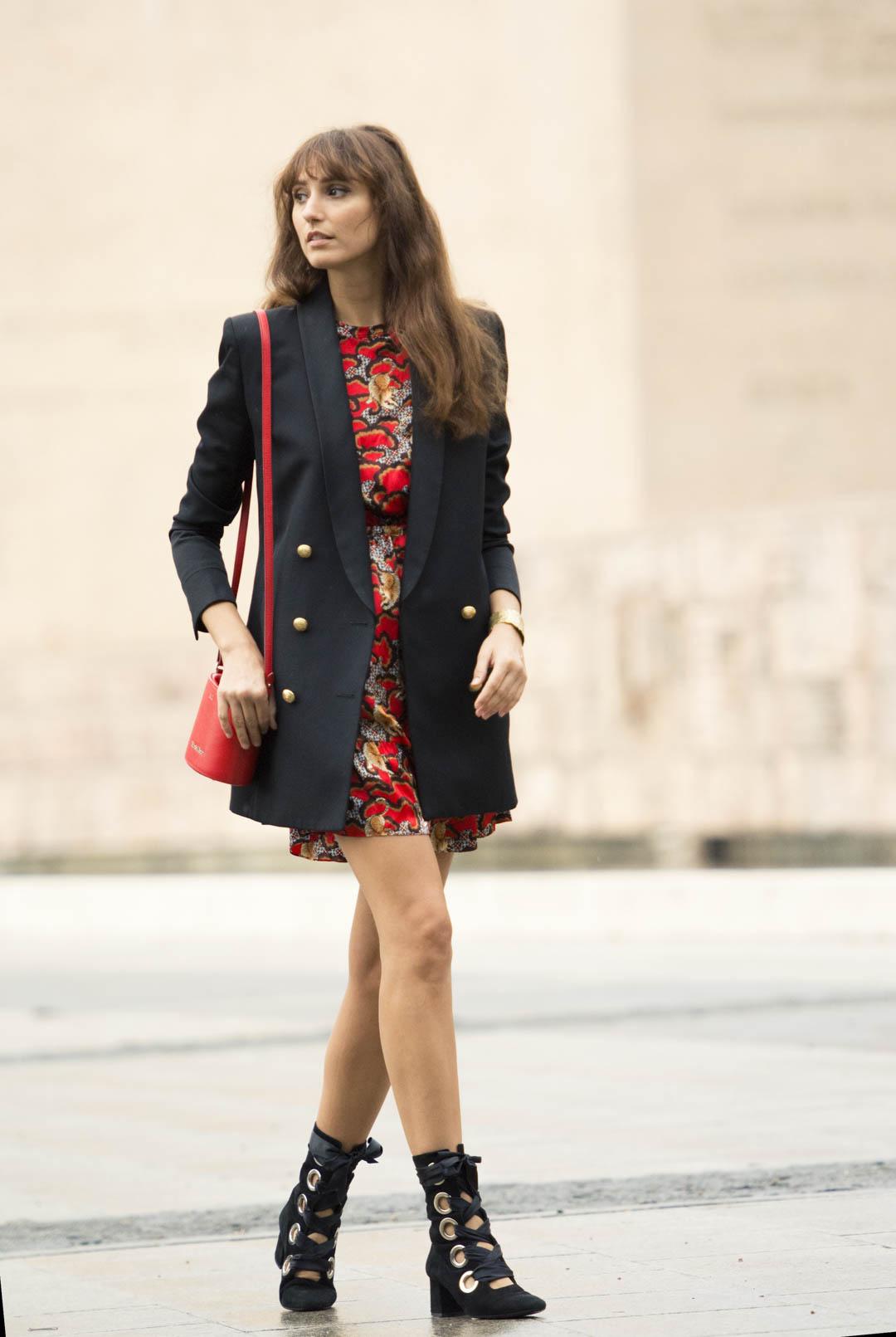 sandro-red-dress-mitmeblog-street-style-mayte-de-la-iglesia-web-06
