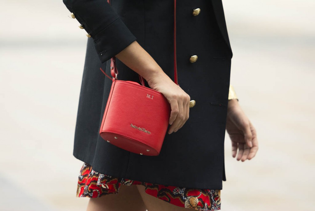 sandro-red-dress-mitmeblog-street-style-mayte-de-la-iglesia-web-08