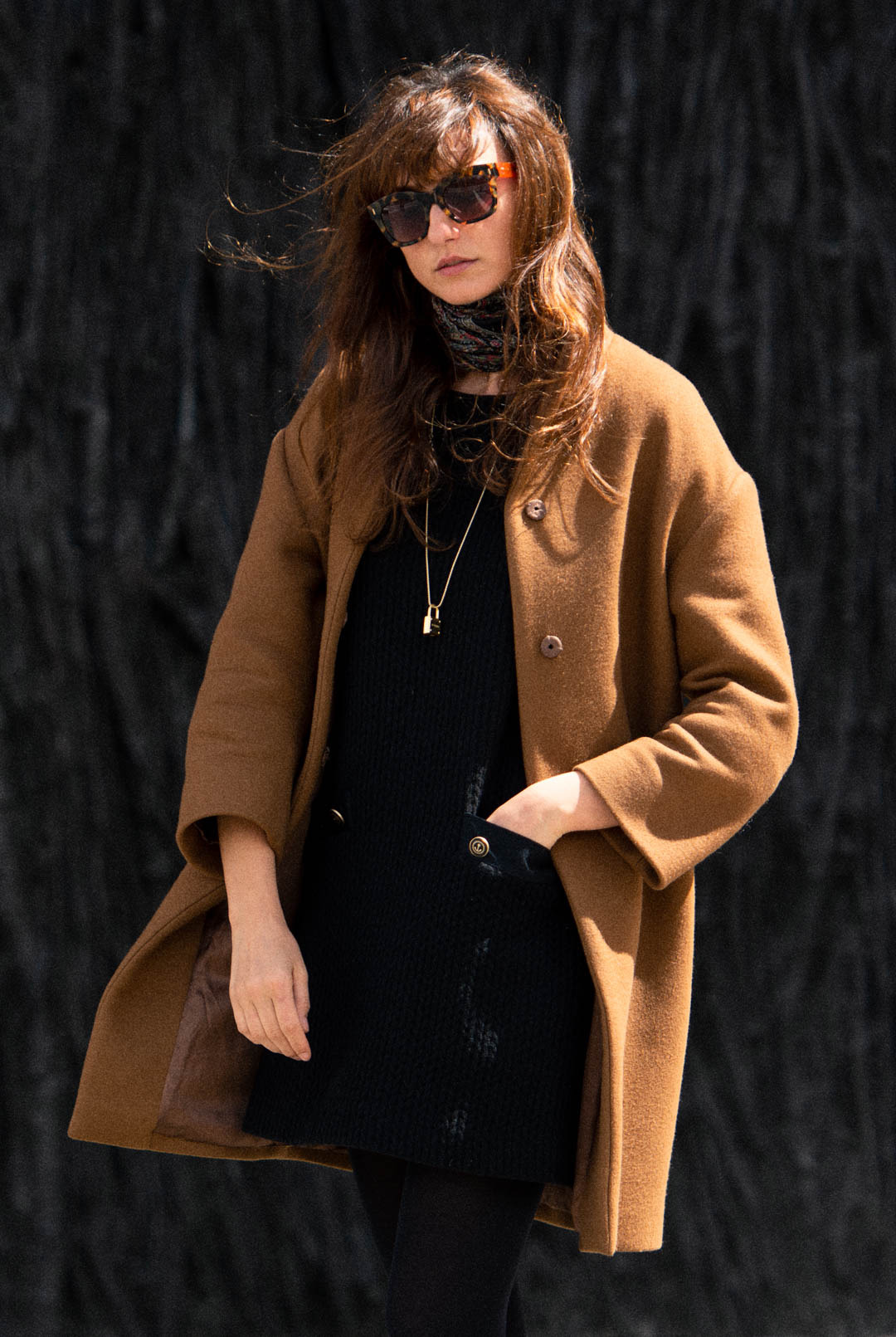 mayte-de-la-iglesia-street-style-abrigo-camel-web-14