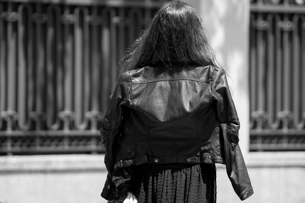 le-petite-robe-noir-mitmeblog-streetstyle-guerlain-bn-web-15