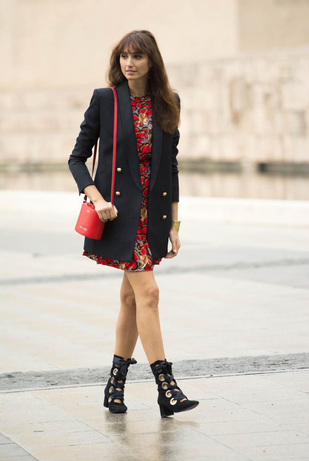 sandro-red-dress-mitmeblog-street-style-mayte-de-la-iglesia-web-01