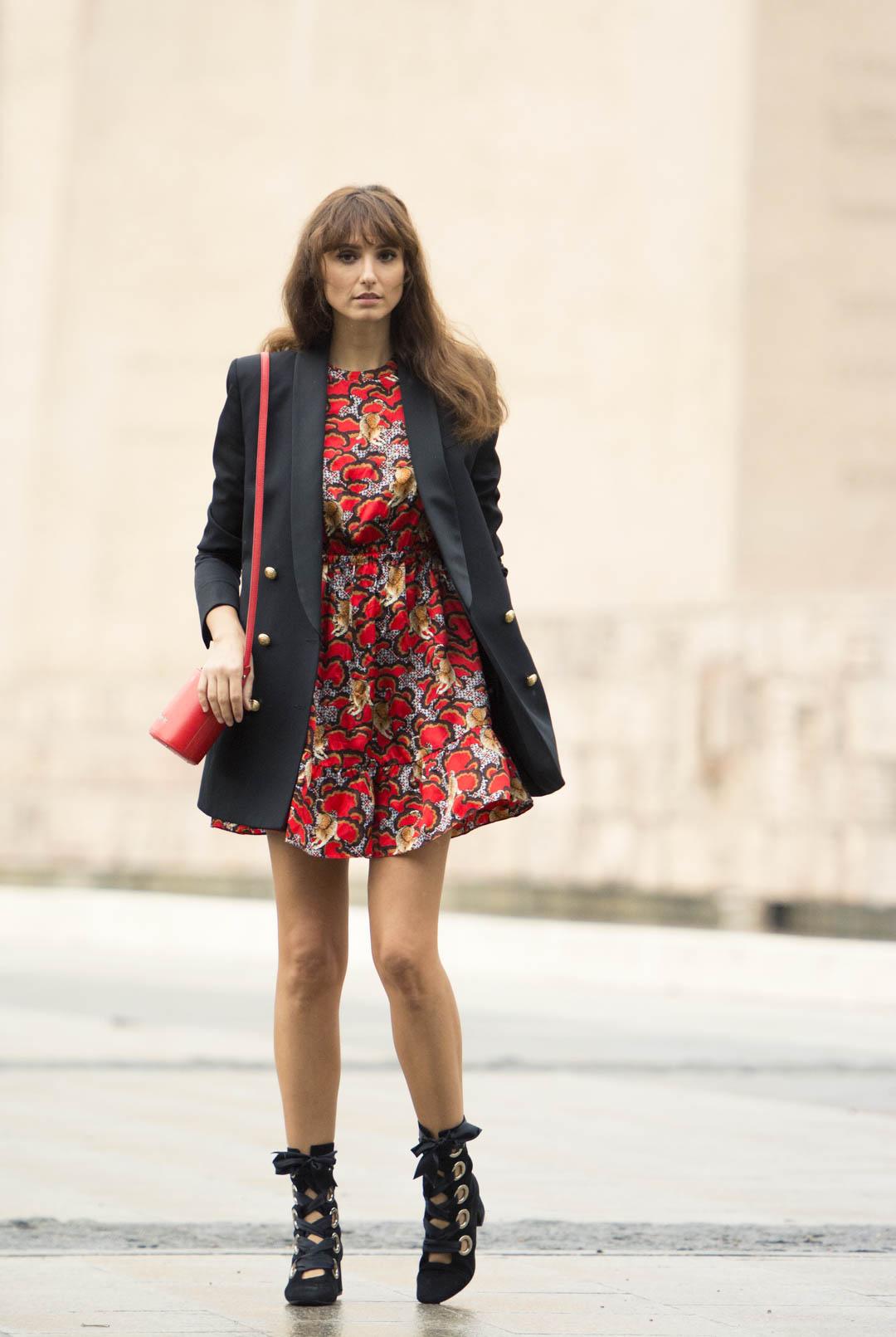 sandro-red-dress-mitmeblog-street-style-mayte-de-la-iglesia-web-05